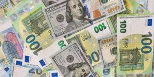Preise explodieren in 2021 – Inflation kommt Geldscheine euro dollar