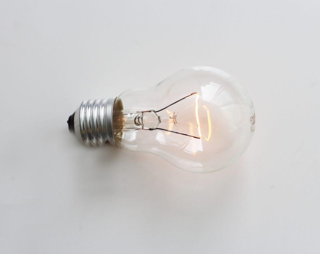 In Platin investieren - Glühfaden Glühbirne