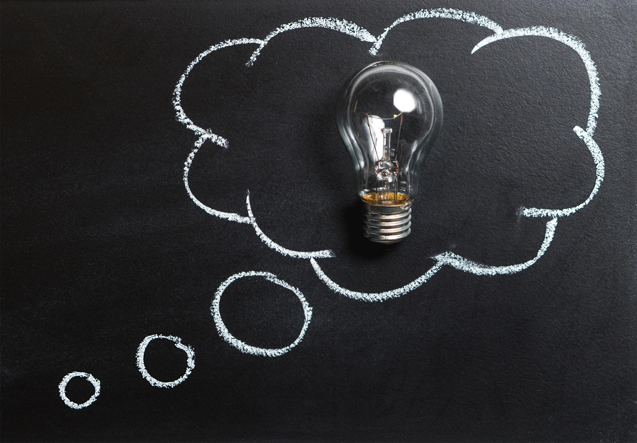 Tipps für Aktieneinsteiger - Glühbirne